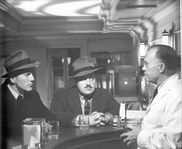 ernest hemingway the killers analysis The first screen incarnation of ernest hemingway's short story the killers came in 1946, when director robert siodmak unleashed _the killers_, helping to define the.